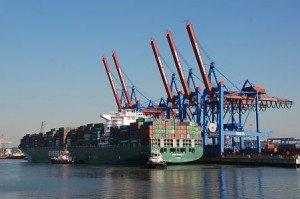 Hamburg (Hambourg) dans Die deutschen Bundesländer (les régions d'Allemagne) 011_17416_containerschiff_hamburg-300x199