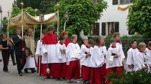 Fronleichnam (Fête-Dieu) dans Brauchtum (les coutumes) 800px-Fonleichnam07b-300x167