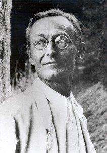 Hermann Hesse (écrivain-poête) dans Berühmte Persönlichkeiten (personnalités célèbres) Gaienhofen_Hermann_Hesse-211x300