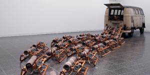 Joseph-Beuys-806x405-300x150 art contemporain dans Berühmte Persönlichkeiten (personnalités célèbres)