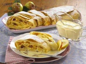 Apfelstrudel (Strudel aux pommes) dans Unsere Rezepte (nos recettes) apfelstrudel2-300x225