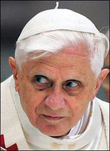 Joseph Ratzinger (Pape Benoît XVI) dans Berühmte Persönlichkeiten (personnalités célèbres) creepypope-219x300