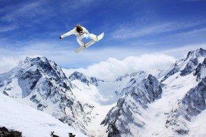 Bayerische Alpen (Les Alpes Bavaroises) dans Urlaubsorte in Frankreich - Vos vacances en Allemagne snowboarder-alps-austria-shutterstock_63650626-600-300x200